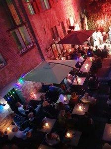 Grand café Public Kloostertuin tuinterras achter